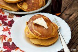 Fluffy Pumpkin Spice Pancakes