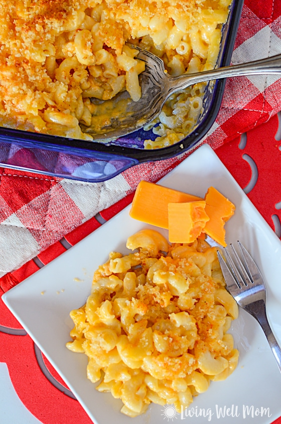mac and cheese for kids on a plate