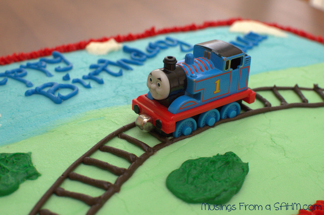 Cake Decorations Thomas The Tank Engine : Cake Decorating - Thomas the Tank Engine Birthday Cake ...