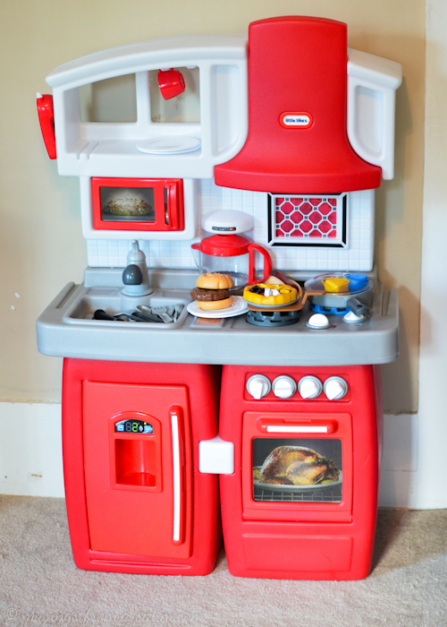 Little Tikes Cook 'n Grow Kitchen {giveaway}  Living Well Mom. Screws For Kitchen Cabinets. Kitchen Cabinets Wine Rack. Uk Kitchen Cabinets. Kitchen Cabinet Panels. Drawer Pulls For Kitchen Cabinets. Teal Cabinets Kitchen. Cost Of Kitchen Cabinets. Best Affordable Kitchen Cabinets
