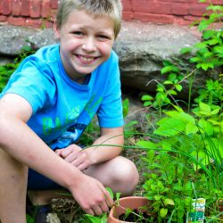 #DigIn Gardening With Kids and The Home Depot