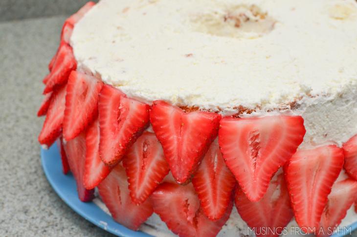 Heavenly Strawberries 'n Cream Cake