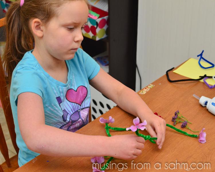 Flower Necklace Craft for Kids