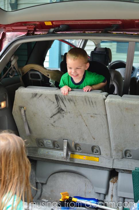 kids playing minivan