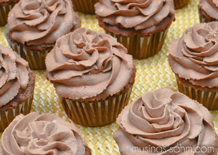 Root Beer Float Cupcakes - Living Well Mom
