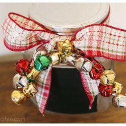 Holiday Chalkboard Jar {DIY tutorial}