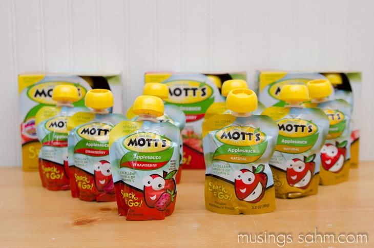 Motts Snack & Go pouches
