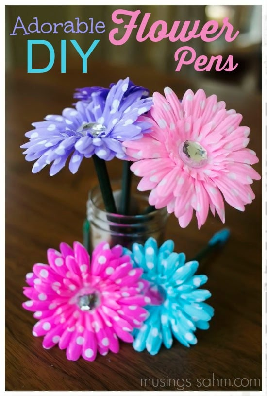 Adorable diy flower pens musings from a stay at home mom for Make flower craft ideas