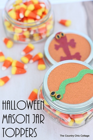DIY Mason jar toppers with halloween images