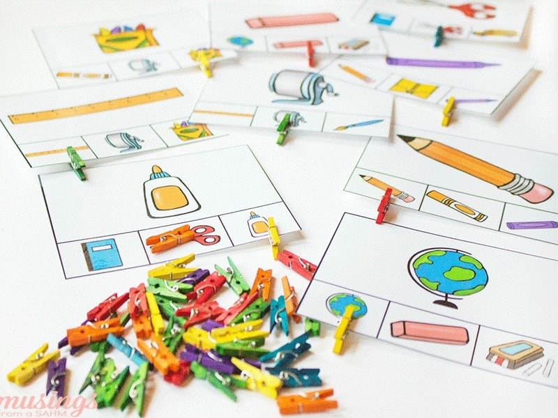 These fun free printable matching games will keep preschoolers busy as their older siblings head back to school. Whether homeschool or traditional, kids will love this fun activity pack!