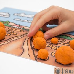Pumpkin Scene Playdough Mats {Free Printables}