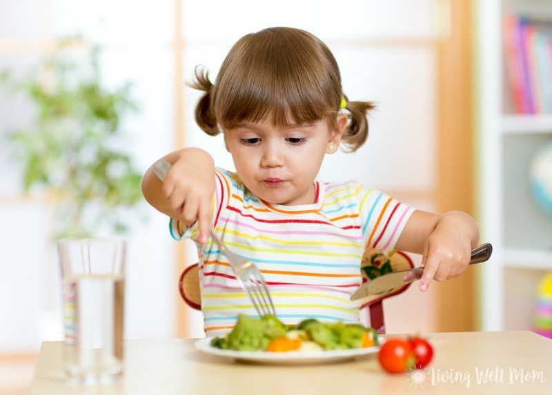Had enough of picky kids not eating well? Say 'good-bye' to the battle of wills today. Here's 8 simple secrets that really work for getting kids to eat healthier.