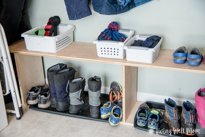 How to organize kids' winter hats gloves scarves