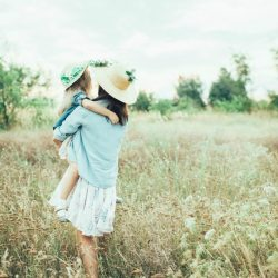 10 Encouraging Quotes for Moms with 2 Free Printables
