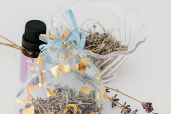 You won't believe how easy these simple DIY Lavender-Scented Bags are to make - no sewing required! With a little lavender essential oil, they're perfect for freshening up any drawer and make wonderful homemade gifts too!