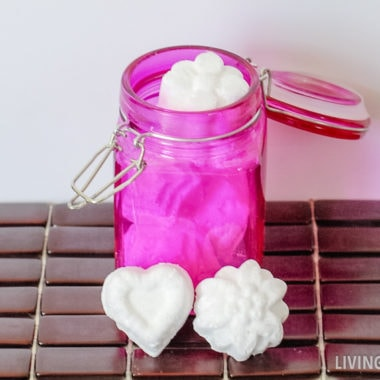 diy toilet cleaner made with essential oils