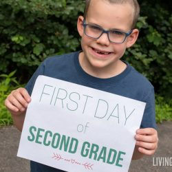 "Back to School ""First Day of School"" Signs (Free Printable)"