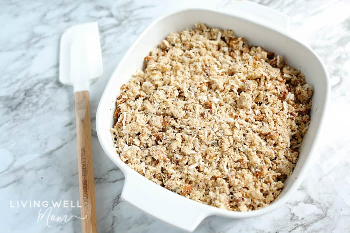 healthy paleo apple crisp in dish