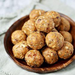 Peanut Butter Date Energy Balls