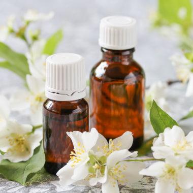 Jasmine essential oil for dry skin