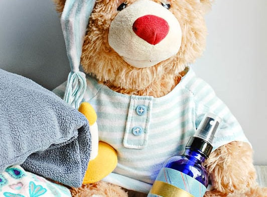homemade relaxing pillow spray for kids with essential oils