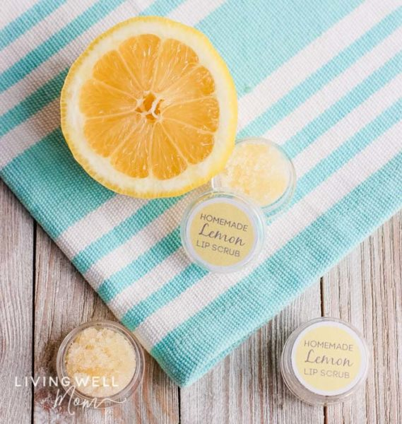 easy homemade lemon sugar lip scrub
