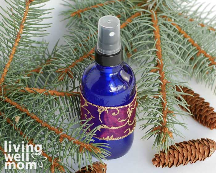 essential oil spray that smells like a christmas tree