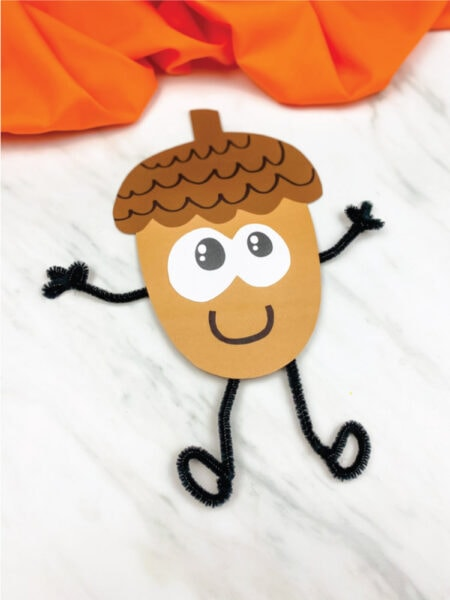 acorn made out of construction paper and pipe cleaners
