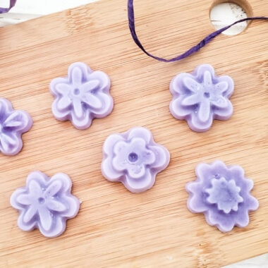 purple flower shaped lavender lotion bars