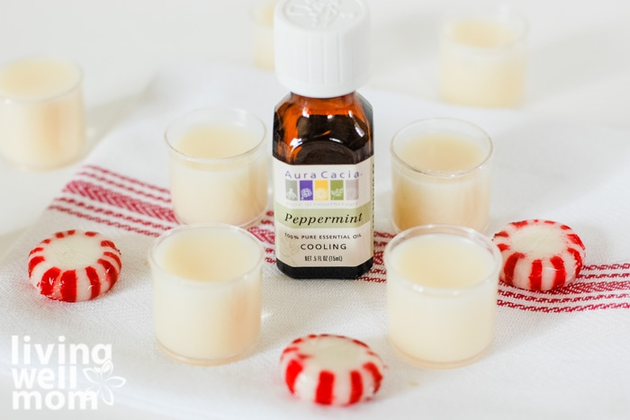4 peppermint lip balm containers with essential oil